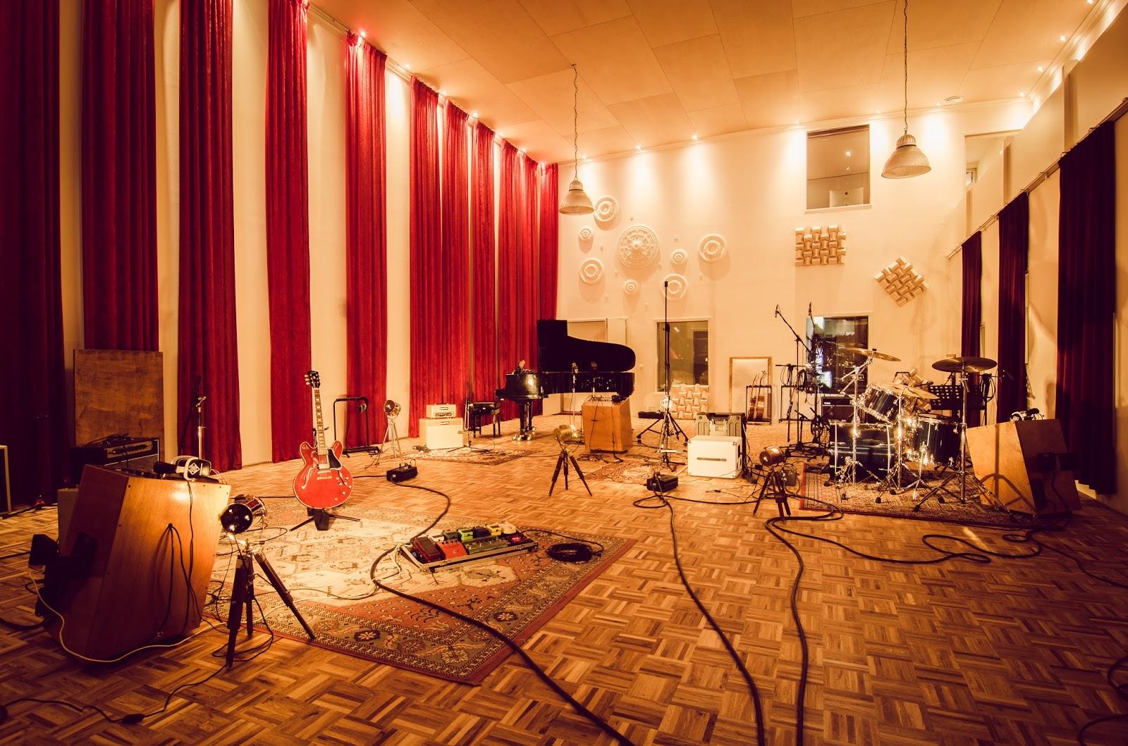 high-end-studio sound vision studio blog headroom